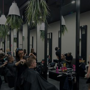 What to Tell Your Hairdresser While Getting a Haircut