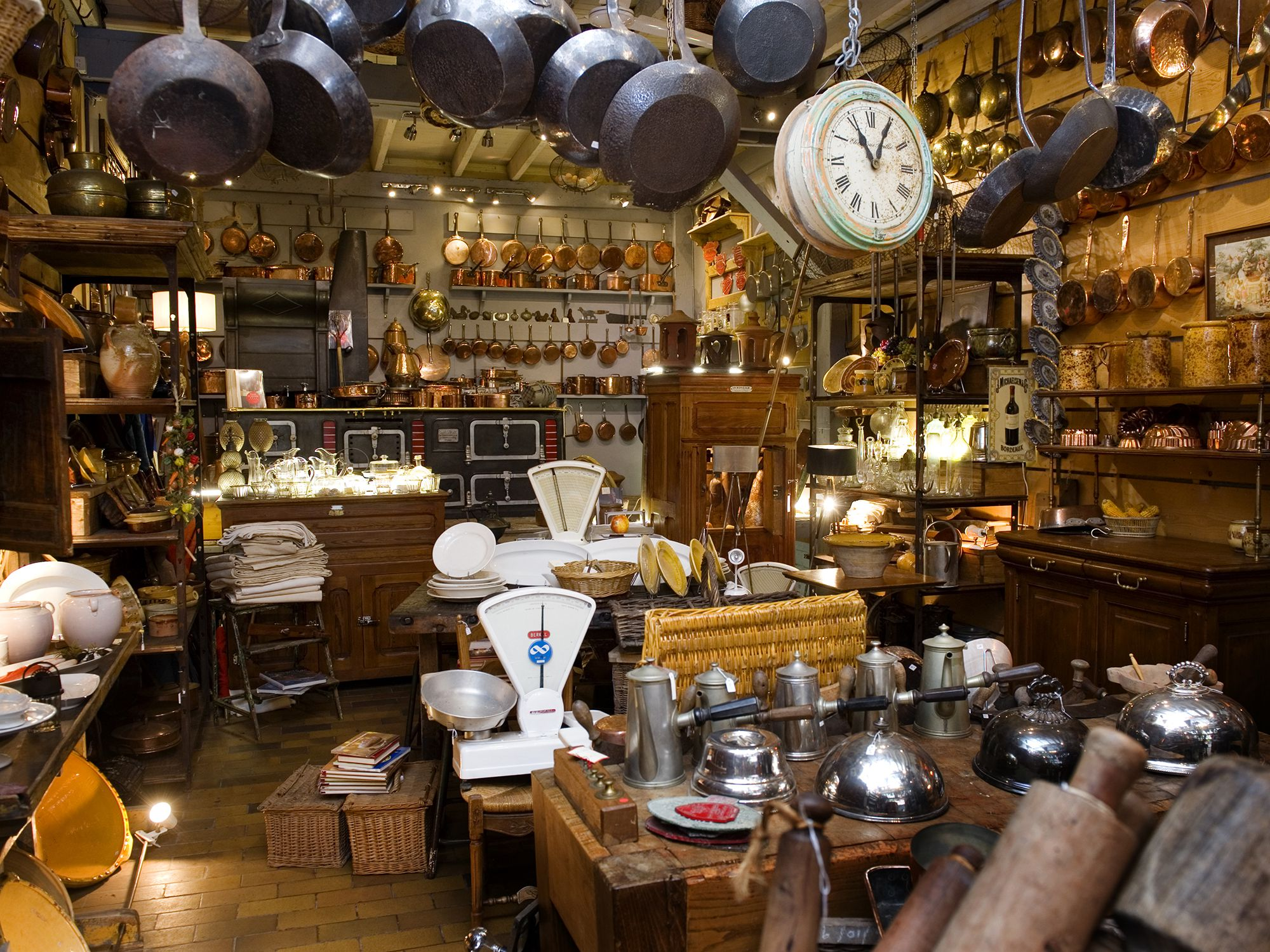 Why Antique Items Are a Great Investment