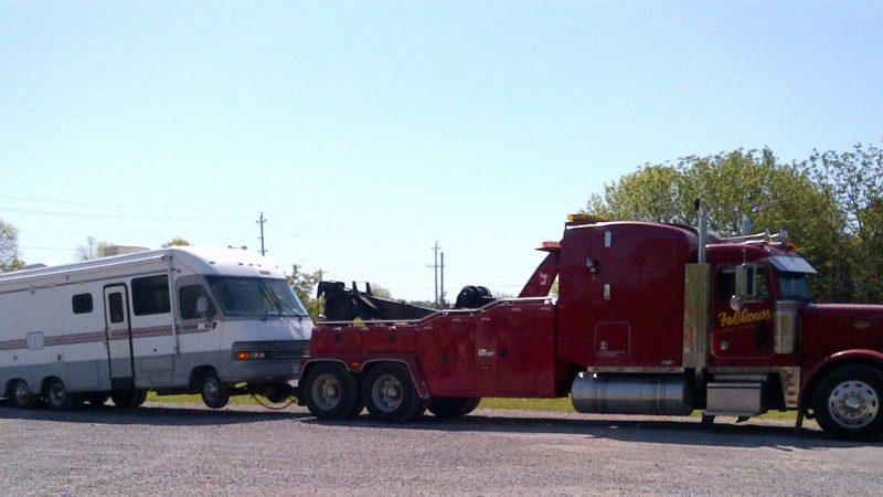 Things to Consider Before Towing a Vehicle